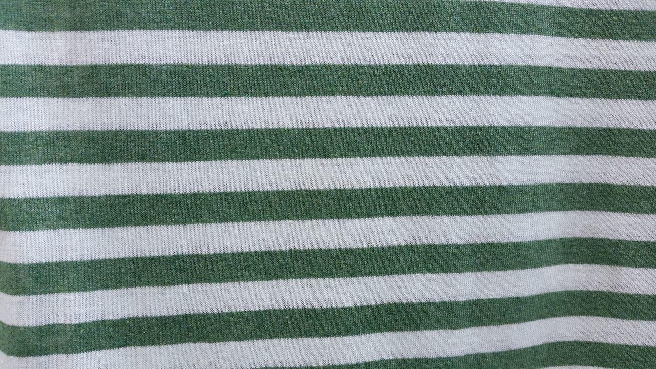 Красно бело зеленая полоска фото